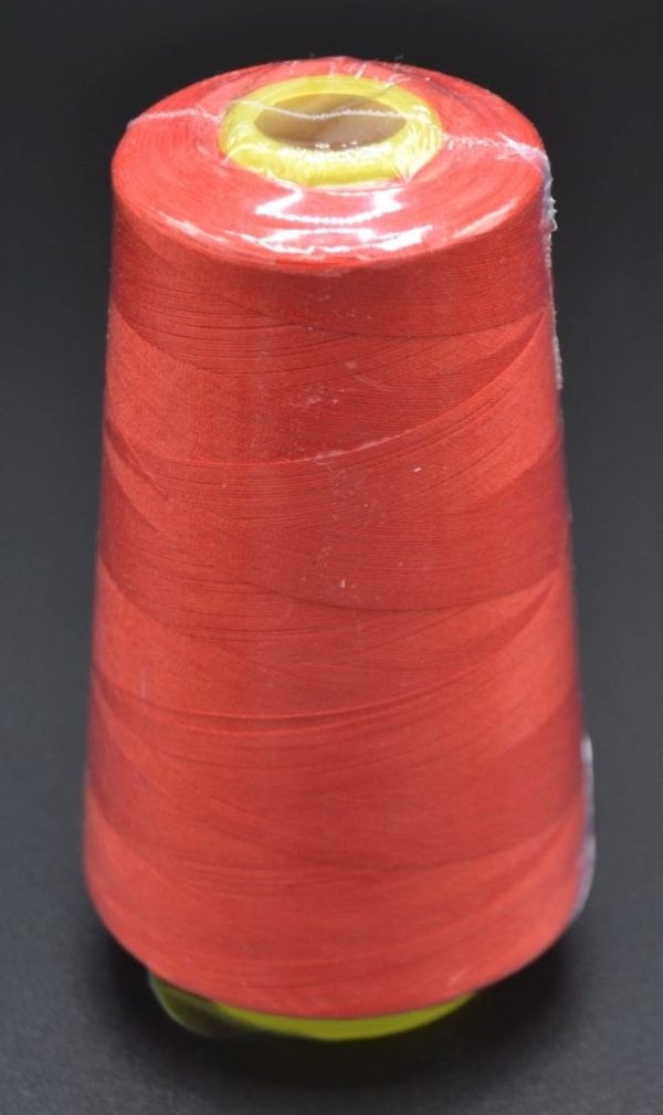 533-Rouge-cone-fil-polyester-oekotex-surjeteuse-mamzelle-tyo