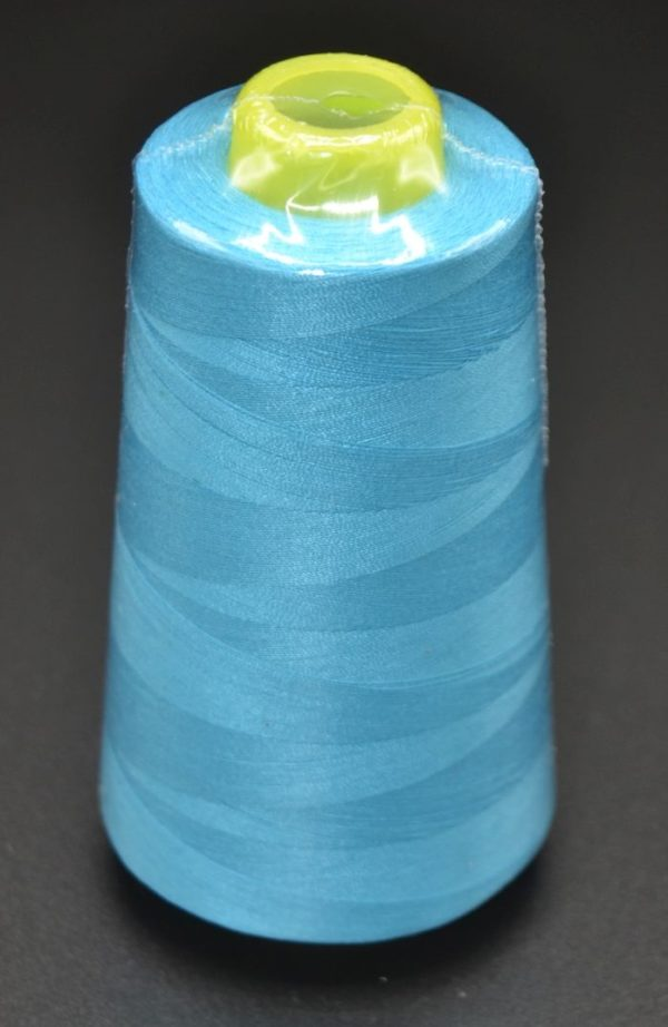 770-Turquoise-cone-fil-polyester-oekotex-surjeteuse-mamzelle-tyo